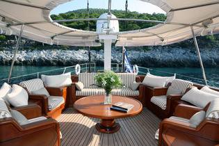 yacht rental in Greece